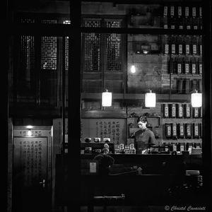 Noir et Blanc, Street Photography, People