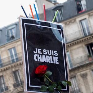 Pancarte, Je suis Charlie, rose, Crayons, manifestation