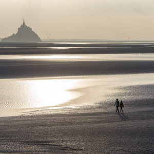 Mont Saint Michel, couple, sunset