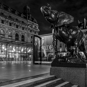 L'elephant veille sur le musee d'Orsay