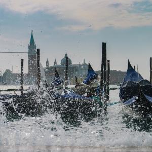 Venise, gondole, mer