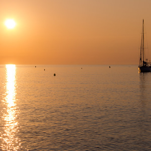 bord de mer, lever de soleil, bateau