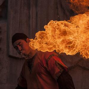 feu, cracheur de feu, flamme, portrait