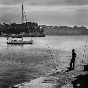 pêche, Pecheur, Toulon, Méditerranée, bateau, mer, Noir et Blanc