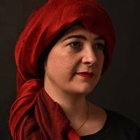 La comédienne en rouge