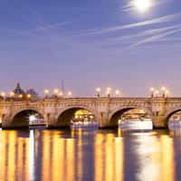 lune, Paris