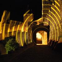 Cité Médiévale de Carcassonne. Felice Varini. Cercles Concentriques. Excentrique.